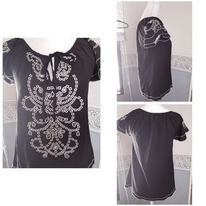 Black and white embroidered blouse sz L